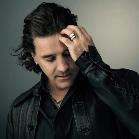 Photo of Scott Stapp - found on Pinterest